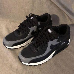 Nike Shoes - ♠️ NWT women's airmax